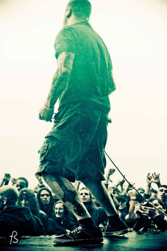 Here is a performer at Hellfest. Photo courtesy of Fotostrasse.com.